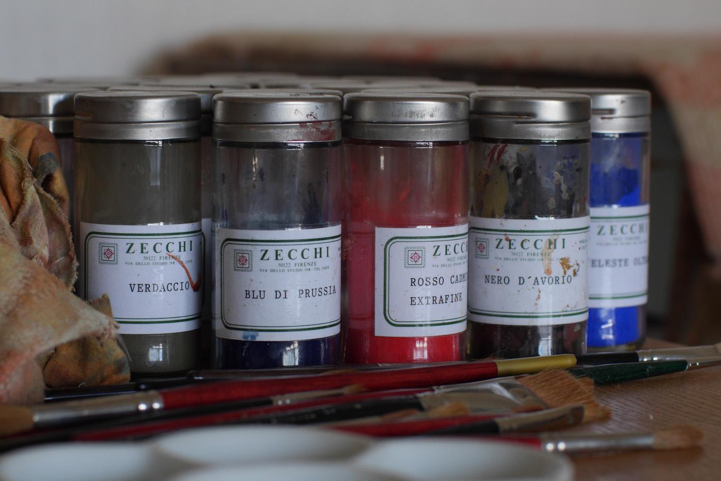 1.Ateljébild. Färger från Zecchi belle Arti e Restauro i Florens och mårdhårspenslar. Foto Mattias Piltz