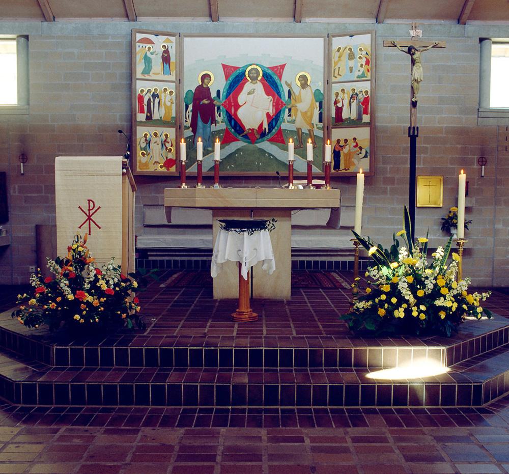3.  St. Thomas kyrka. Lund. Interiör med altarskåpet, på när håll. Foto Bo Wiberg  kopia